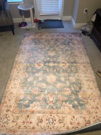 Living room rug 5x8 Atlanta, 30319
