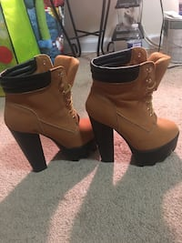 Pair of brown leather boots 54 km