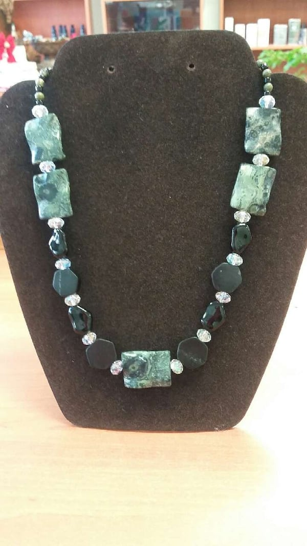 Necklace with natural stones ccfe699b-a059-4b73-aa60-431583221e91