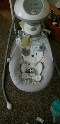 baby's white and gray cradle n swing New Braunfels, 78132