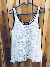 white and blue tank top Los Angeles, 91345