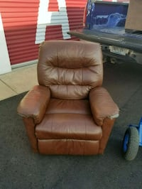 brown leather recliner sofa chair 918 mi