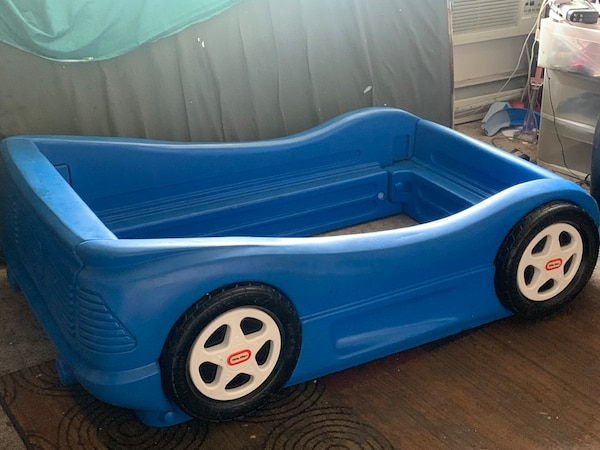 Blue toddlers bed