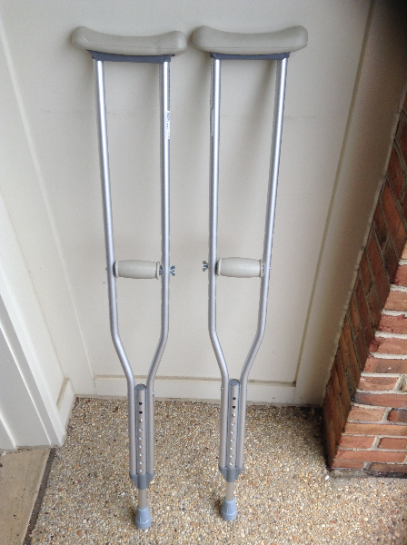 Crutches FALLSCHURCH