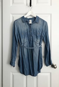 H&M Womens Maternity chambray top size small Mississauga, L5M 0H2