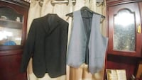 Boys suit jacket and vest Barrie, L4M