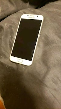 white iPhone 5 with case Salem, 97304