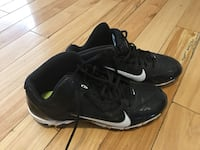 Boys Size 7 Nike Cleats Courtice, L1E 1H4