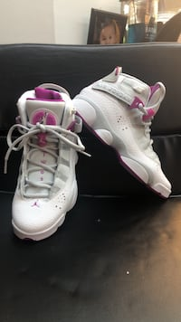 Shoes: Jordan  Air size 5 26 km