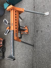 Ridgid folding stands. Very heavy duty with clamp system