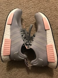 gray/pink NMDs size 7 Sioux Falls, 57108