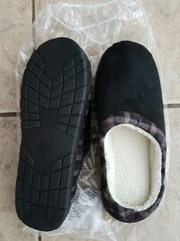 BNIP Memory Foam Check It Out Unisex Slippers Newmarket, L3Y 2P9