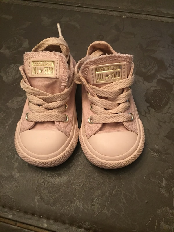 199bd3245bc Used Rose gold toddler converse size 4c for sale in Campbell - letgo