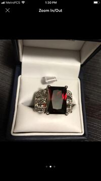 Silver and red gemstone ring Hialeah, 33010