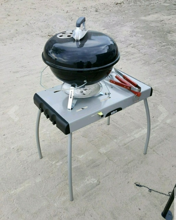 Weber Portable Charcoal Or Gas Grill Table Used