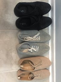 Given away pending pick up Women's shoes Mississauga, L5J 1L8
