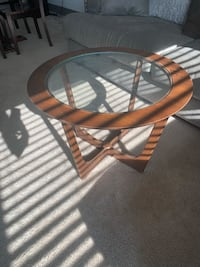 Round glass coffee table Rockville, 20850
