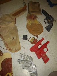 Vintage toy guns and leather holsters Tulsa