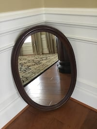 Oval mirror with solid wood frame. Ashburn, 20147
