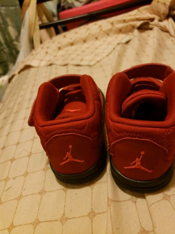 toddler red running shoes