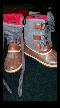 Bamboo hiking boots size 6