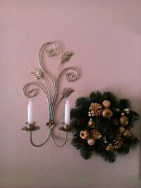 white and gold candle holder & wreath Southfield, 48034