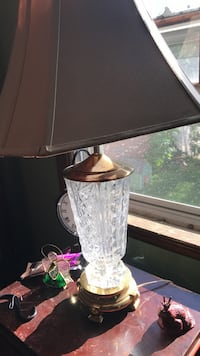 brass and clear glass table lamp New York, 10309