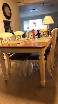 Kitchen table w/6 chairs. Good condition. Must pick up. East Palo Alto, 94303