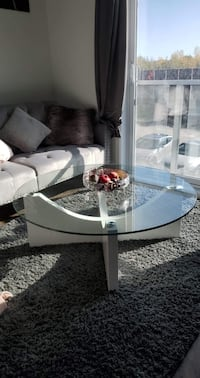 round coffee table- table de base  ronde nouveau 110cm X110cm Brossard