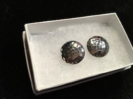 925 hammered button earrings