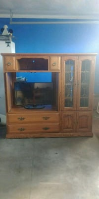 Wooden Entertainment Center Hayward, 94544
