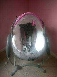 Graco swing glider and soother Manassas, 20109