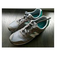 Women's New Balance sneakers Toronto, M2K 2W1