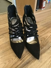 Women's Guess Black Suede Shoes Ottawa, K1Z 8H4
