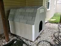 white and gray wooden outdoor doghouse Centreville, 20120