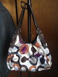 Coach Madison Graphic Op Art Maggie Shoulder Bag Liverpool, 13090