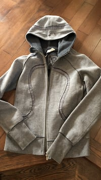 Lululemon special edition grey size 8! Great condition Ottawa, K4A 0P3