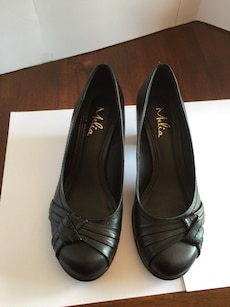 "Melia Leather 2"" Heels - Size 37 (7)"