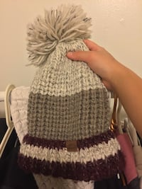 white and purple knitted cap Vaughan, L4L 9B3