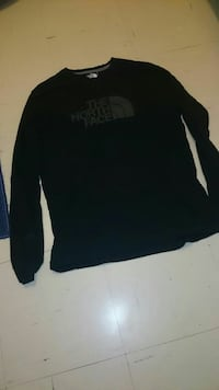 The north face long sleeve shirt  Guelph, N1H 8H1