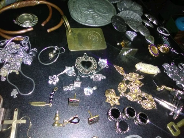 Jewelry and stuff and things  f83e47ed-2cab-4fc8-b3a1-4f2a11aba78d