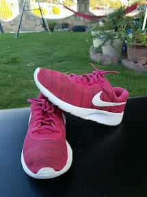 Nike girls shoes