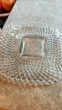 two clear cut glass bowls Laval, H7E