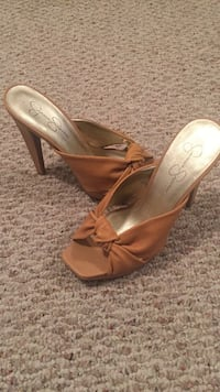 Leather jessica simpson open toe heels brand new size 9 District Heights, 20747