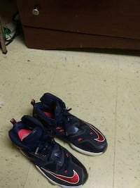pair of black-and-red Nike basketball shoes Douglasville, 30134