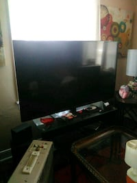 black flat screen TV with remote Hagerstown, 21740