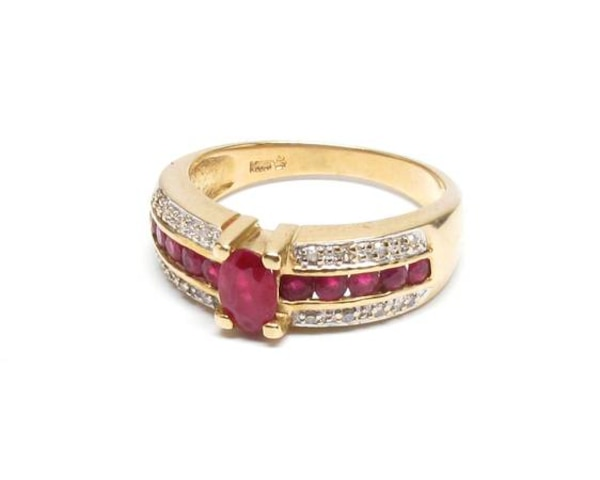 Ladies Ruby/Gold Ring