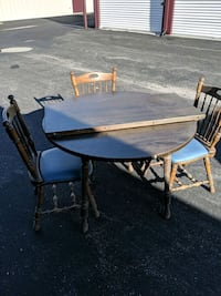Table and 4 chairs with a leaf. Norwalk