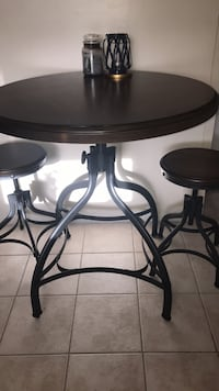 Table and Chairs Clearwater, 33759