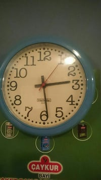 round blue analog wall clock Woodbridge, 22192